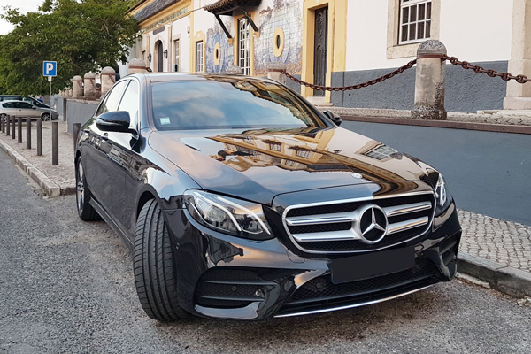Mercedes Classe E   Up to 4 Passengers