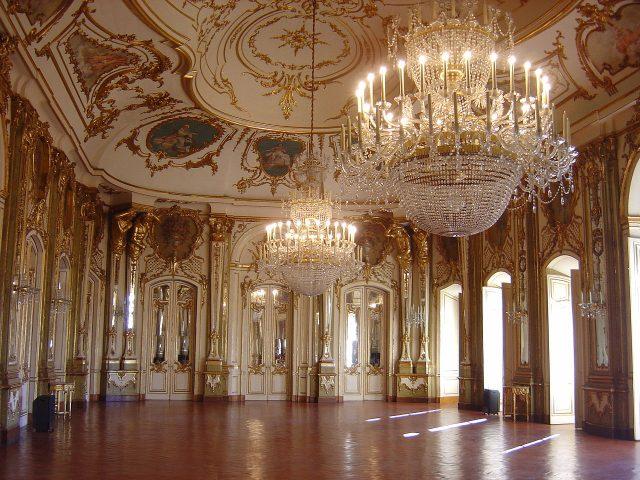 1280px-Palácio_Queluz_interior_1